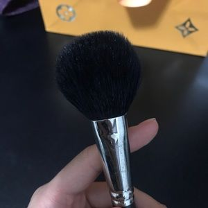 Mac brush 227 France discontinued